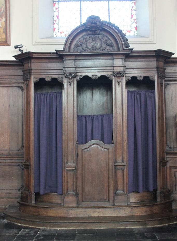 Religieus Meubilair - Biechtstoel Noord achteraan
