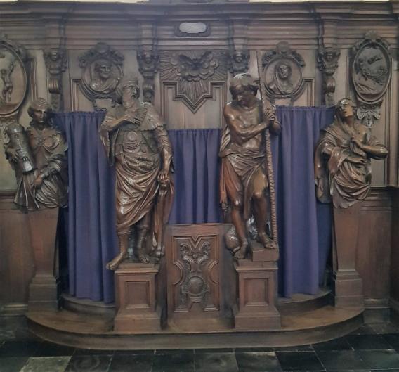 Religieus Meubilair - Biechtstoel Zuid vooraan