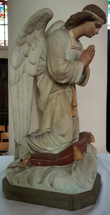 Geknielde Engelen